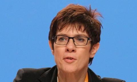 Ανεγκρέτ Κραμπ - Καρενμπάουερ: Αυτή είναι η νέα «Σιδηρά Κυρία» του CDU