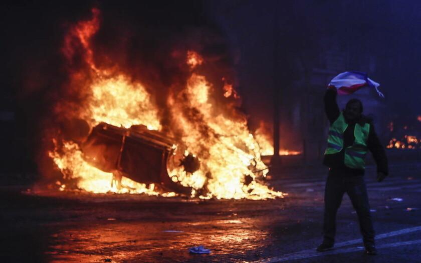 «Κίτρινα γιλέκα»: Συναγερμός στη Γαλλία για τη νέα διαδήλωση σήμερα: Τα τεθωρακισμένα στους δρόμους