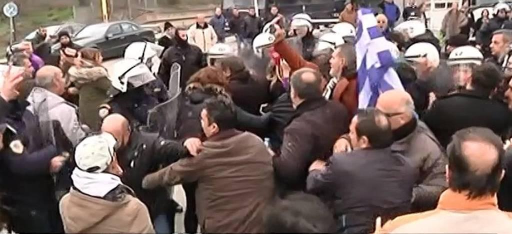 Θρίλερ με αστυνομικό φρουρό Έλληνα βουλευτή - Κρατείται στους Αγίους Σαράντα