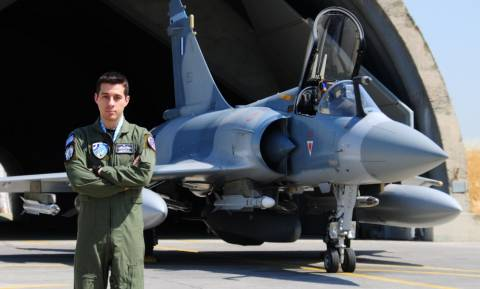 Κοσμάς Χάλαρης: Αυτός είναι ο Έλληνας «Best Warrior» πιλότος του ΝΑΤΟ