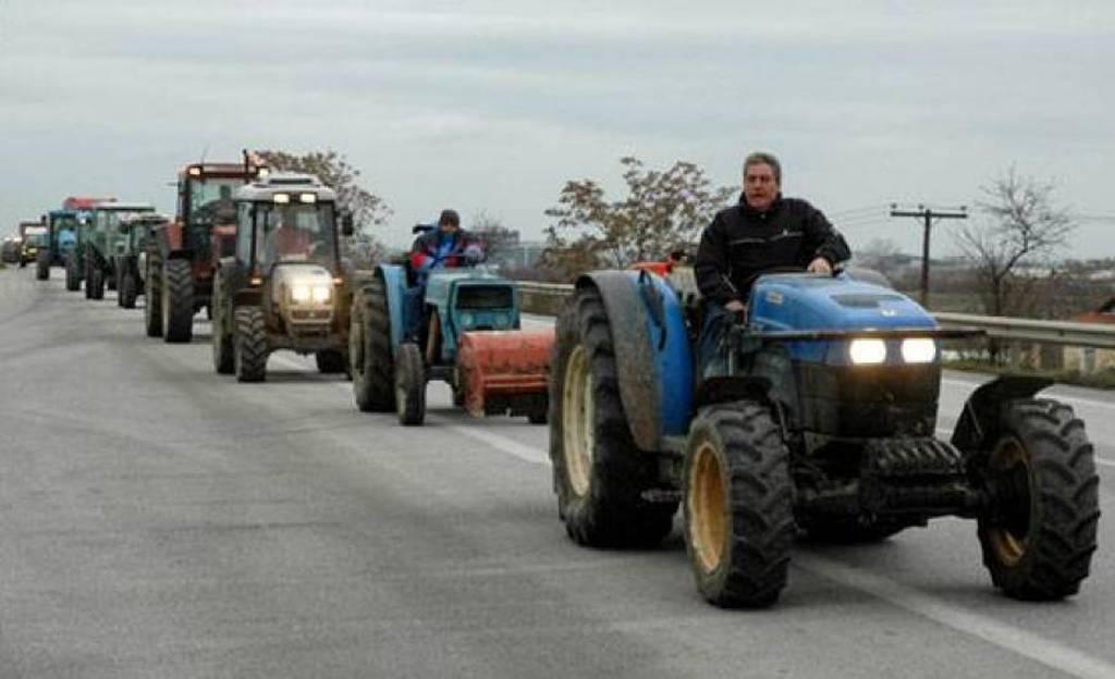 Σε ρυθμούς κινητοποιήσεων οι αγρότες – Ζητούν άμεση συνάντηση με τον υπουργό Αγροτικής Ανάπτυξης