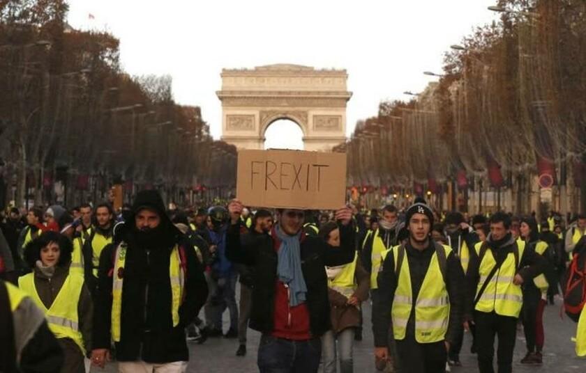 Τα «κίτρινα γιλέκα»... έπνιξαν τον Μακρόν - Συναντά συνδικάτα και εργοδότες