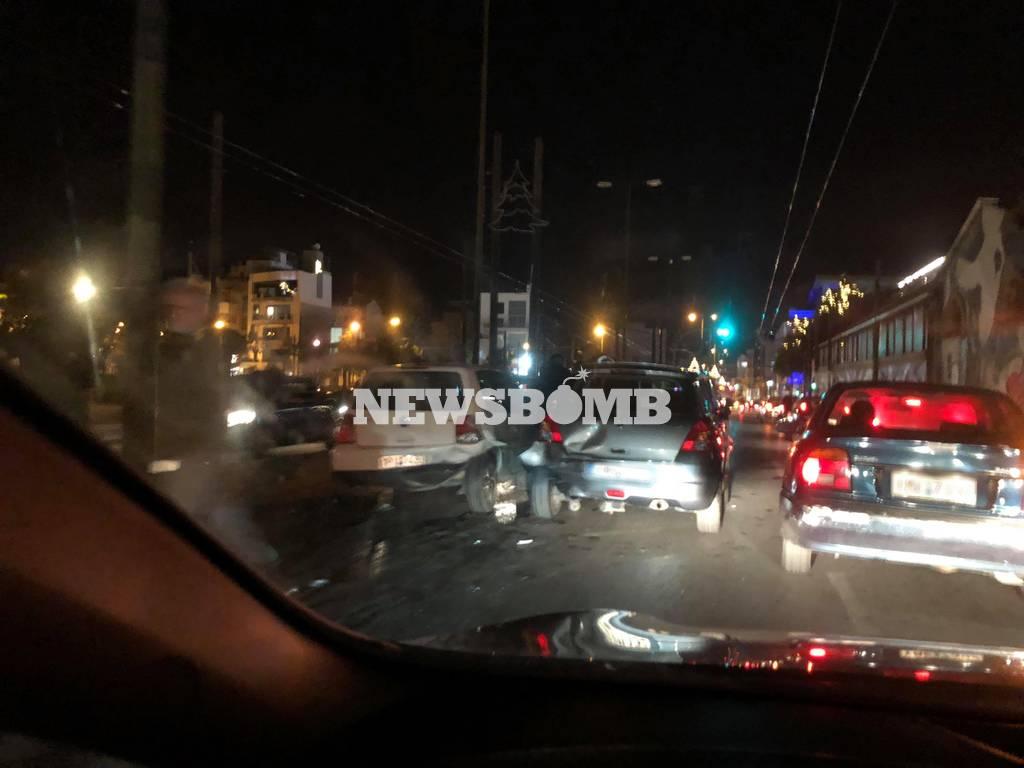 Μεγάλη καραμπόλα στην Πειραιώς: Δείτε εικόνες από το σημείο (pics)