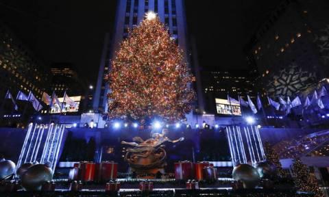 Αύριο «ανάβει» το Χριστουγεννιάτικο Δέντρο του Συντάγματος