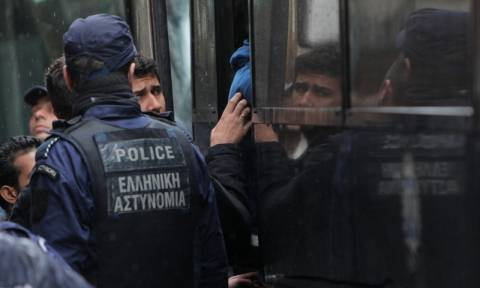 Ωραιόκαστρο: Μυστήριο με 17 αλλοδαπούς που εντοπίστηκαν σε εγκαταλελειμμένο εργοστάσιο