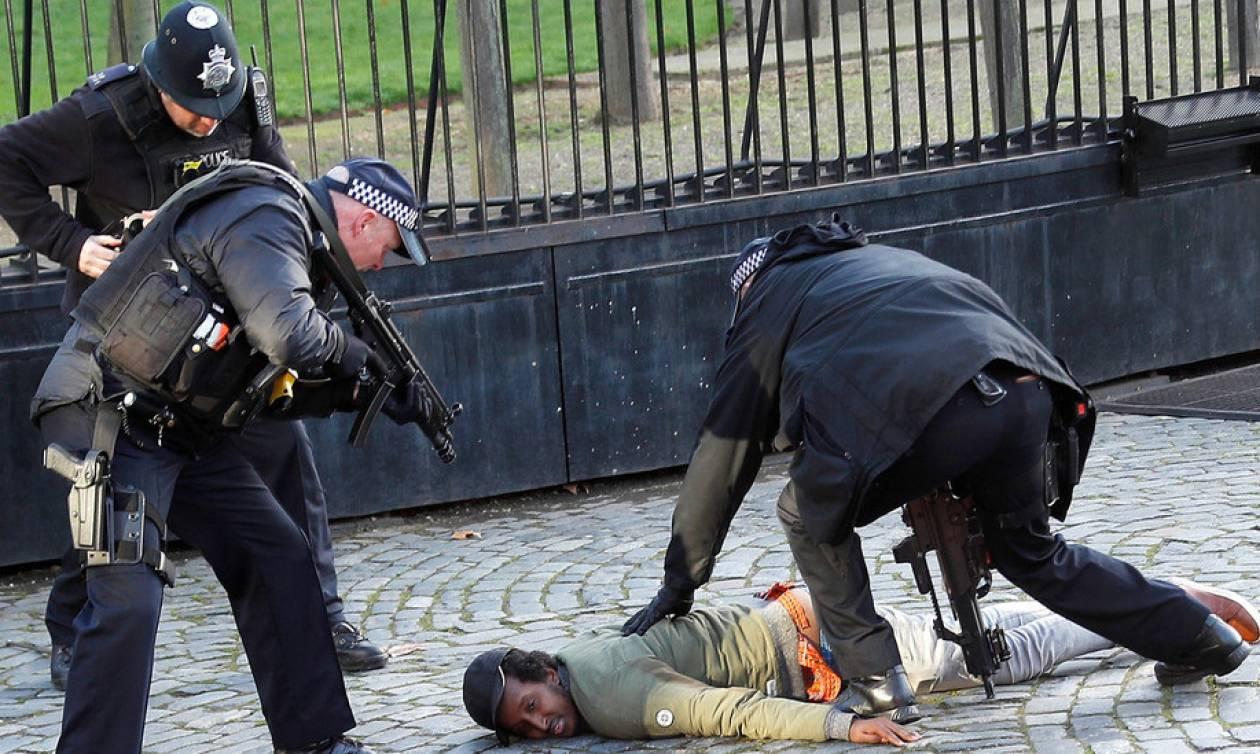 Συναγερμός για τρομοκρατική επίθεση στην Αγγλία: Εισβολή υπόπτου στο βρετανικό κοινοβούλιο (Pics)