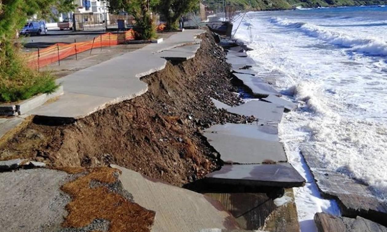 Λακωνία: «Βυθίστηκε» τμήμα παραλίας της Νεάπολης (pics)