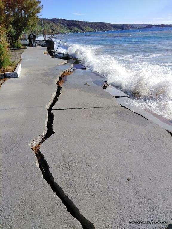 Λακωνία: «Βυθίστηκε» τμήμα του παραλιακού μετώπου της Νεάπολης (pics)