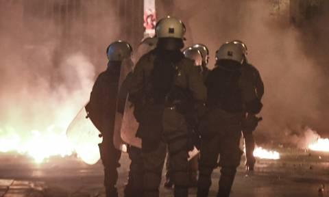 Βίντεο - ντοκουμέντο από την καταδρομική επίθεση με μολότοφ στα ΜΑΤ στην Καισαριανή