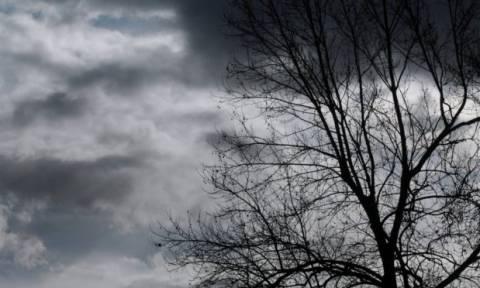 Καιρός: Εξασθενούν οι ισχυροί άνεμοι την Τετάρτη (12/12) - Επιμένουν οι χαμηλές θερμοκρασίες