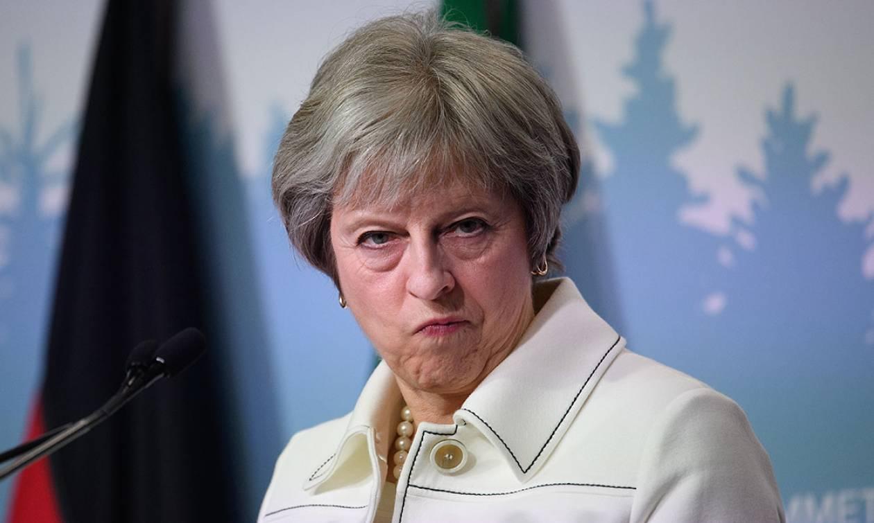 Έτοιμοι να «τινάξουν» το Brexit στον αέρα: Πρόταση μομφής κατά της Μέι υπογράφουν τέσσερις ηγέτες