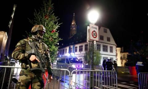 Επίθεση Στρασβούργο: Η αστυνομία ανταλλάσσει πυρά με το δράστη - Σύγχυση με τον αριθμό των νεκρών