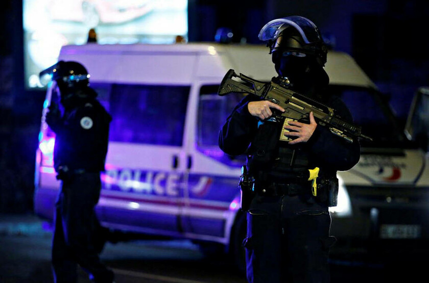 Νύχτα τρόμου με τρεις νεκρούς στο Στρασβούργο: Ανθρωποκυνηγητό για τον εντοπισμό του μακελάρη (pics)