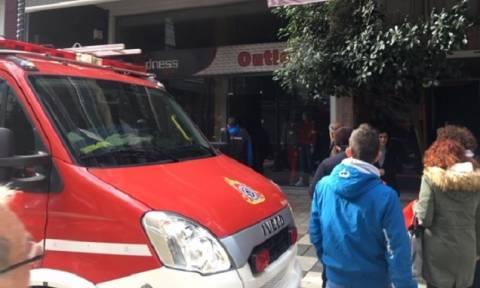 Συναγερμός στο Αγρίνιο: Φωτιά σε εμπορικό κατάστημα (pics+vid)
