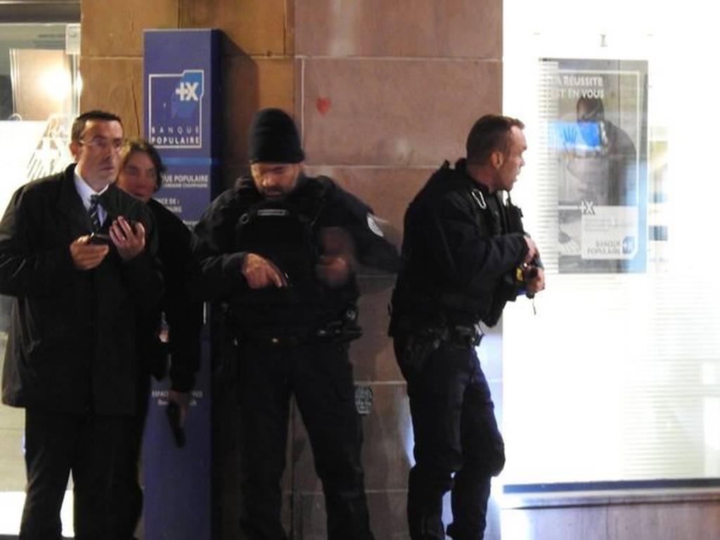 Επίθεση Στρασβούργο: Ανθρωποκυνηγητό για τη σύλληψη του δράστη και των δύο αδελφών του (Pics+Vids)