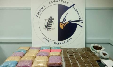 Καβάλα: Αστυνομικό «μπλόκο» σε 49.733 χάπια ecstasy και 7,6 κιλά «σοκολάτας»