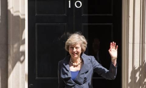 Brexit: Ξεκίνησε η ψηφοφορία επί της πρότασης μομφής σε βάρος της Τερέζα Μέι