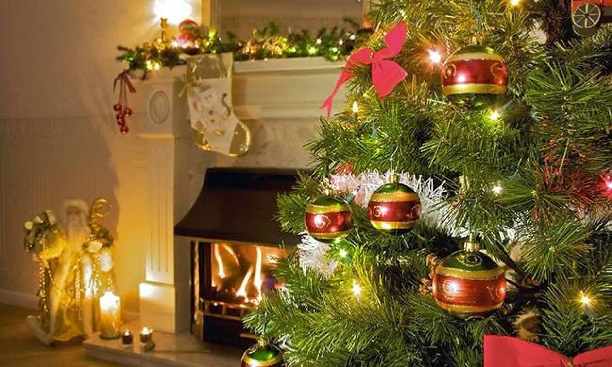 Χριστούγεννα 2018: Οι οδηγίες από την Πυροσβεστική για τα χριστουγεννιάτικα λαμπάκια και τα κεριά