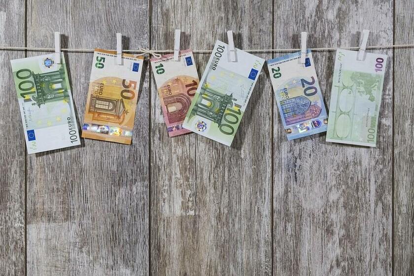 Αναδρομικά ειδικά μισθολόγια: Ξεκίνησε η καταβολή - Δείτε τα χρήματα που θα πάρετε