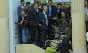 Ο απίστευτος -και αηδιαστικός- λόγος που διεκόπη συνεδρίαση της κολομβιανής βουλής (vid)