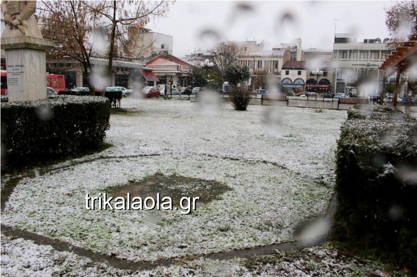 Κακοκαιρία: Στο έλεος του χιονιά η Ελλάδα - Που χρειάζονται αλυσίδες (pics&vid)