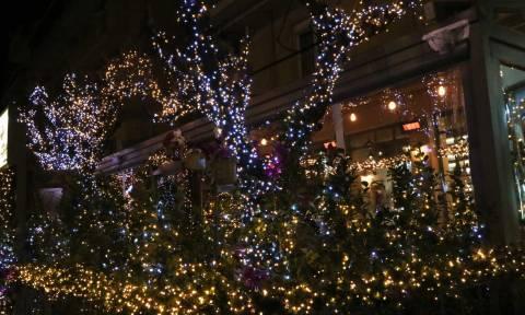 Εορταστικό ωράριο: Ποιες μέρες θα είναι ανοιχτά τα καταστήματα τα Χριστούγεννα και την Πρωτοχρονιά