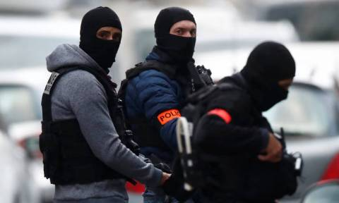 Επίθεση Στρασβούργο: Ο δράστης διέφυγε με ταξί – Αναζητείται νεκρός ή ζωντανός