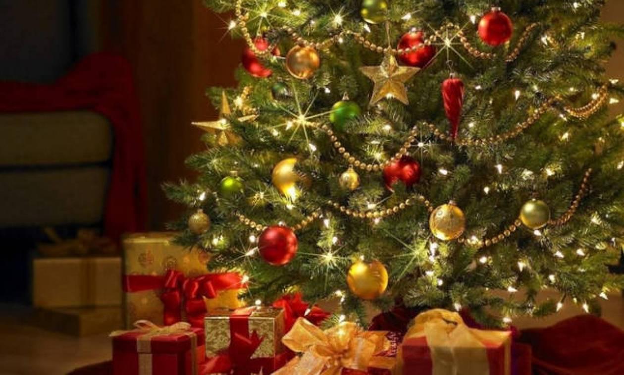6383d5a3ffe7 Χριστουγεννιάτικο δέντρο  Αποκαλύφθηκε το λάθος που κάνουμε ΟΛΟΙ στο  στολισμό του