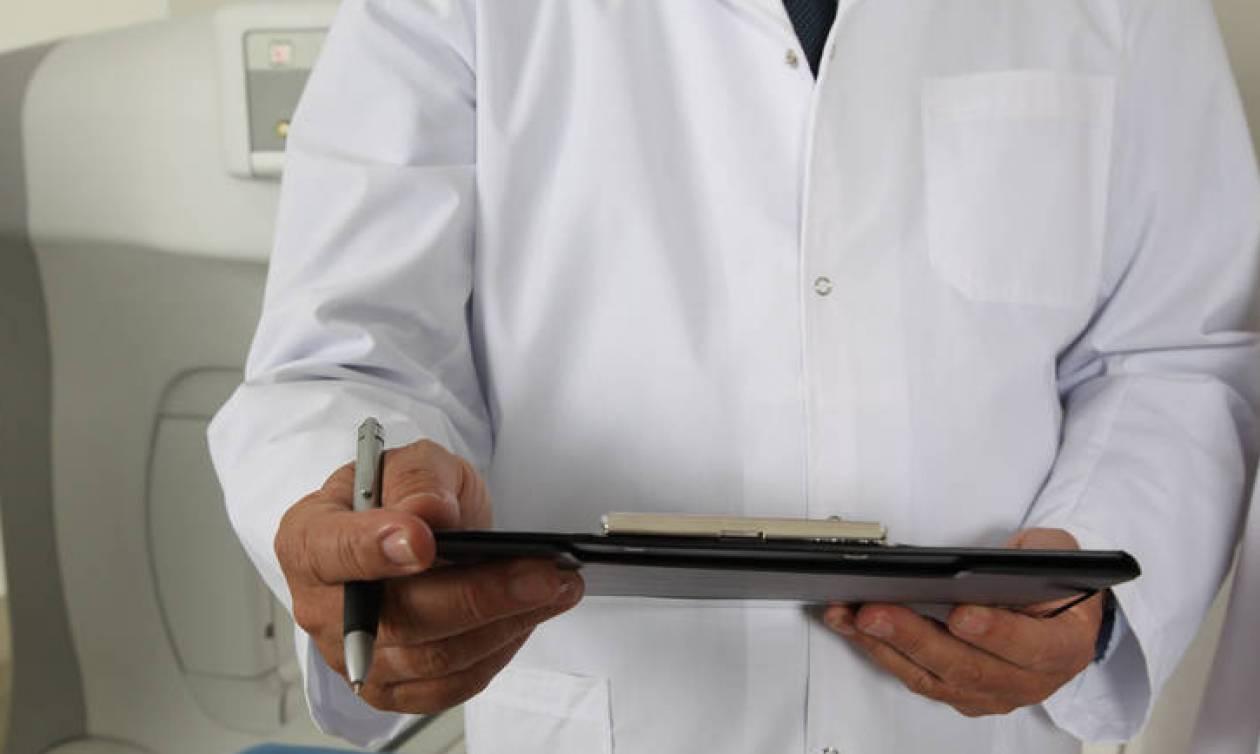 Οικογενειακός γιατρός: Τελειώνουν οι θέσεις εγγραφής στους περισσότερους γιατρούς