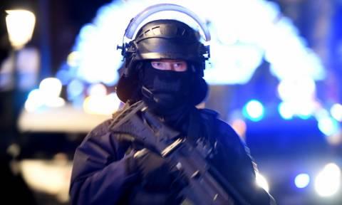 Επίθεση Στρασβούργο: Με το «δάχτυλο» στη σκανδάλη άνοιξε ξανά η χριστουγεννιάτικη αγορά (Vids)