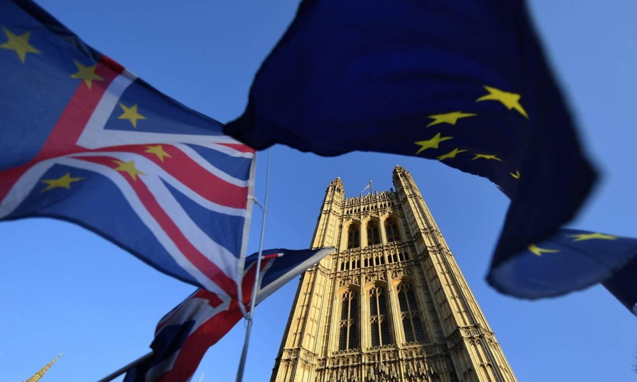 Brexit: «Η κυβέρνηση δεν σχεδιάζει δεύτερο δημοψήφισμα»