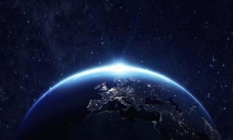 Απίστευτο: Δείτε τι θα γίνει εάν η Γη σταματήσει να γυρίζει (vid)