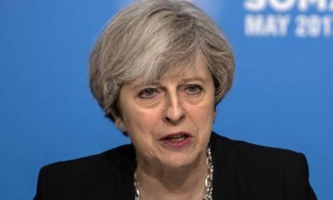 Brexit: Ραγδαίες εξελίξεις στη Βρετανία – Κατατέθηκε πρόταση μομφής κατά της Τερέζα Μέι