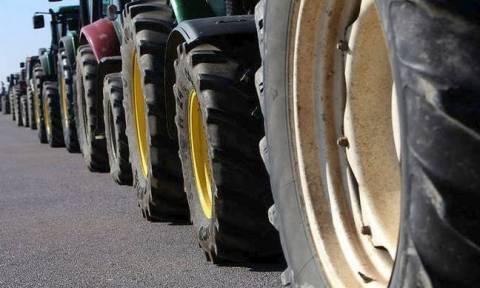 Κατεβάζουν τα τρακτέρ στους δρόμους οι αγρότες: Δείτε πού θα στηθούν μπλόκα