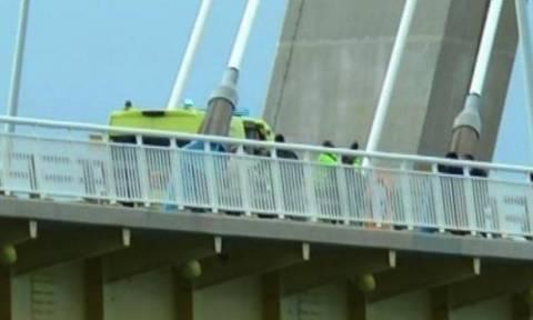 «Πάρε με αγκαλιά…»: Η έκκληση του παρολίγον αυτόχειρα στη Γέφυρα Ρίου - Αντιρρίου