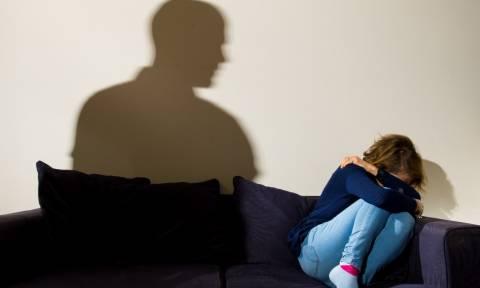 Φρίκη στα Χανιά: Νάρκωνε τον πατέρα και βίαζε τη 13χρονη κόρη του