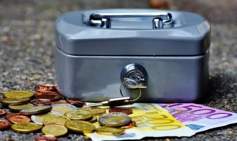 Εβδομάδα πληρωμών: Ποιοι και πόσα χρήματα θα πάρουν μέχρι την Παρασκευή