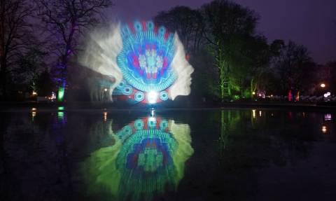 Και εγένετο... φως! Δείτε τις πιο εντυπωσιακές φωτογραφίες από τη Φρανκφούρτη