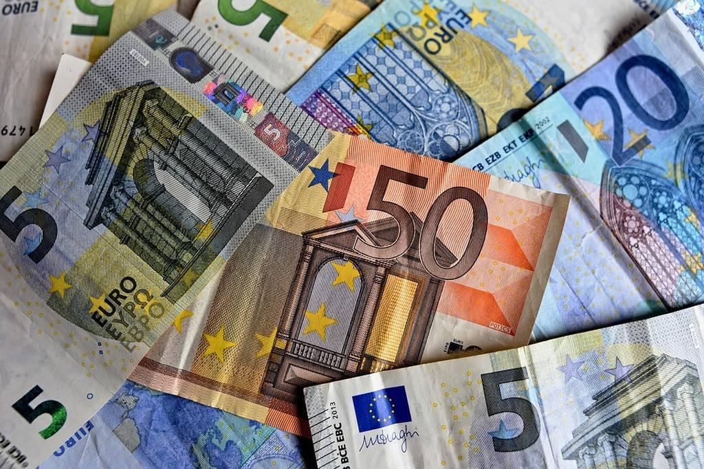Εβδομάδα πληρωμών: Πότε θα καταβληθούν συντάξεις, ΚΕΑ, επίδομα παιδιού Α21, αναδρομικά