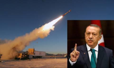 Επιμένει στο «τουρκικό παζάρι» ο Ερντογάν: Οι ΗΠΑ δίνουν Patriot – Τι θα γίνει τελικά με τους S-400