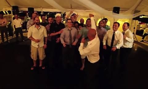 Οι πιο αστείες στιγμές σε γάμους (vid)