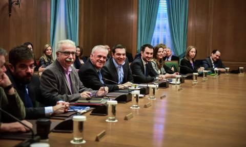 Σε εξέλιξη η συνεδρίαση του Υπουργικού Συμβουλίου υπό τον Αλέξη Τσίπρα