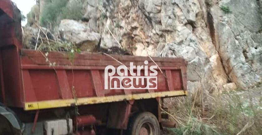 Καιρός: Κατολίσθηση στα Λουτρά του Καϊάφα – Ογκόλιθοι απέκλεισαν τον δρόμο (pics)