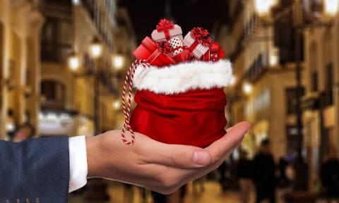 Εορταστικό ωράριο Χριστουγέννων: Ποιες ημέρες και ώρες είναι ανοιχτά τα καταστήματα