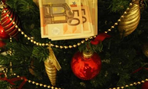 Υπ. Εργασίας: Το αργότερο μέχρι αύριο πρέπει να καταβληθεί το δώρο Χριστουγέννων