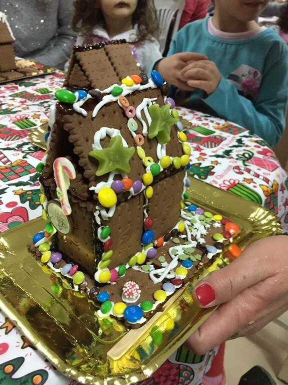 Μπισκοτόσπιτα φτιαγμένα από τα παιδιά της Ευξείνου Λέσχης (pics)