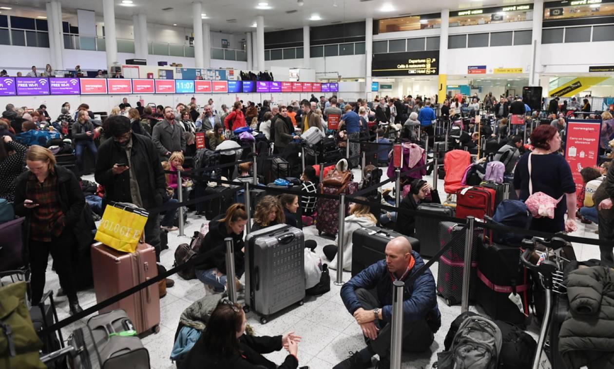 Συναγερμός Αγγλία: Εισβολή drones στο Gatwick - Χάος με δεκάδες χιλιάδες επιβάτες στο αεροδρόμιο