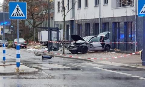 Συναγερμός στη Γερμανία: Αυτοκίνητο έπεσε πάνω σε πεζούς – Μία νεκρή και εννέα τραυματίες