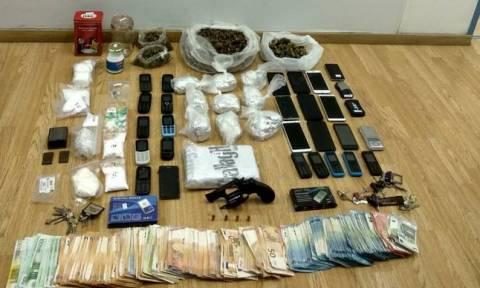 Εξαρθρωθήκαν δύο εγκληματικές οργανώσεις που διακινούσαν ναρκωτικά στο κέντρο της Αττικής
