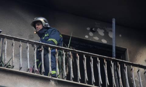 Θρίλερ στη Λάρισα: «Έκαψαν τη μάνα μας ζωντανή για το κοινωνικό μέρισμα»